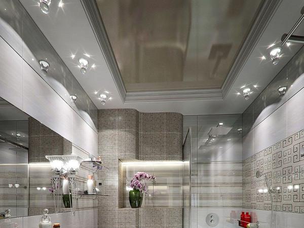 Преимущества натяжных потолков для ванной комнаты