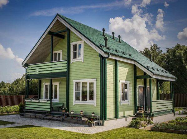 Как покрасить деревянный дом?