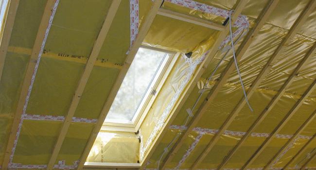 Элитный ремонт дома. Устройство качественной пароизоляции кровли
